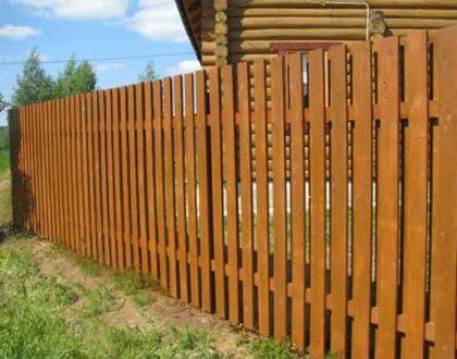 Деревянные заборы: плюсы и минусы