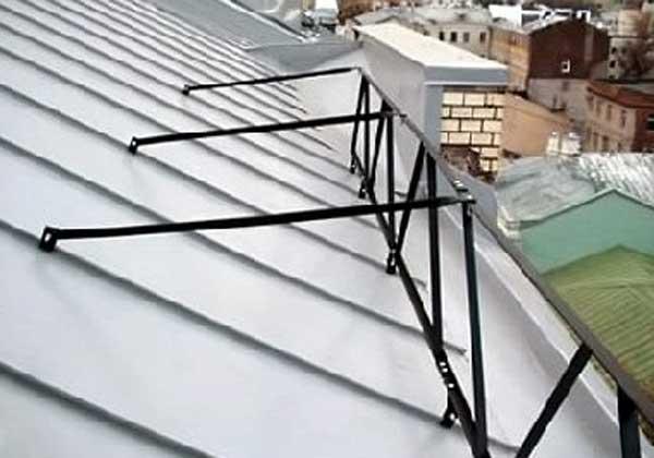 Заборы на крышах